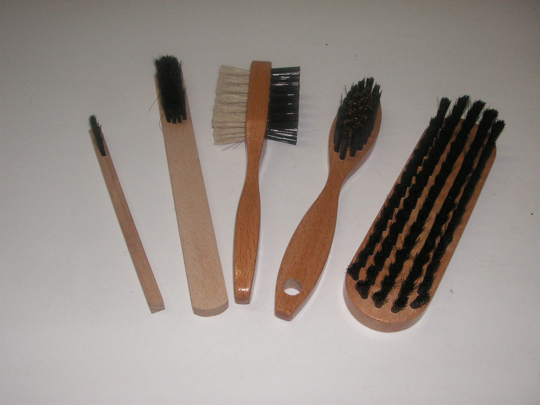 Brosses à main
